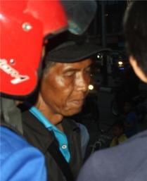 Pak Syamsudin (Kepala SMP Negeri 1 Teluk Pakedai)